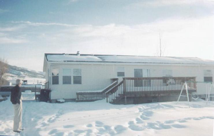 Manufactured Home with Close and Short Flues